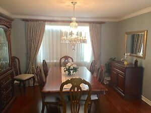 Dining Room Ensemble in Excellent Condition