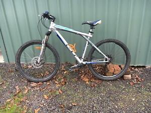 GT Avalanche 2.0 XC Mountain Bike