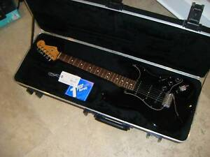 2008 FENDER STRATOCASTER BLACK AMERICAN STANDARD USA WITH CASE