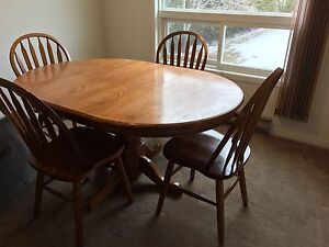 Dining / kitchen table and chairs