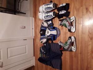 Equipement de hockey semi-usé
