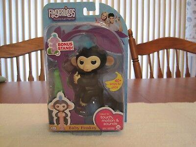 Wowwee Fingerlings Interactive Black Baby Monkey Finn  Bonus Stand  New