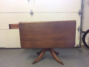 Antique Duncan Phyfe drop leaf table