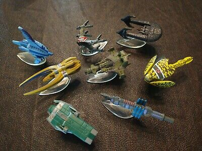 Lot of 8 - BABYLON 5 Micro Machines ships with stands