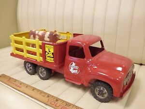 1957-BUDDY-L-Cattle-Transport-Stake-Truck-Pressed-Steel-Toy-w-Cow