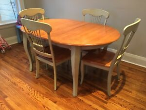 Solid Wood Table w/6 Chairs