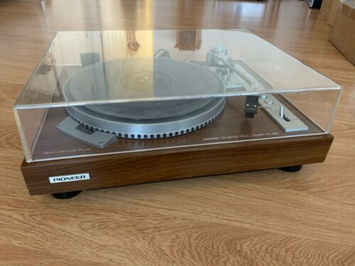 Vintage Pioneer PL-550 Stereo Turntable Direct Drive Quartz Lock late 70