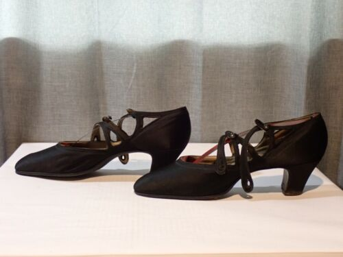 shoes ladies heels Victorian Edwardian ankle strap black leather antique