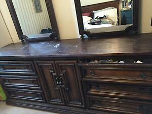 Solid Wood Dresser With Mirrors Oakville / Halton Region Toronto (GTA) image 2