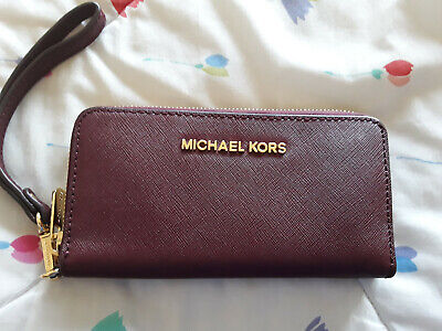 Michael Kors Wallet...MINT condition.