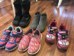 Assorted girls shoes