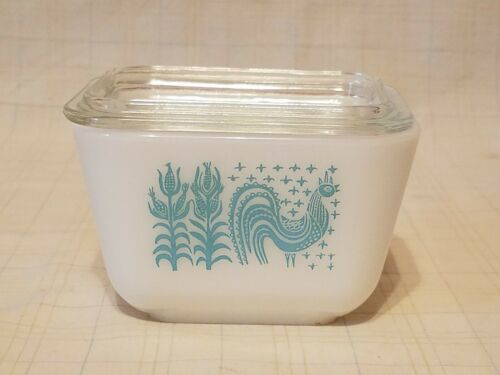 Pyrex Refrigerator Covered Dish - 0507 - 16 - White W/ Blue Rooster - $9.95
