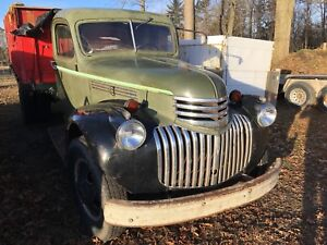 1946 Chevy two ton truck with power dump ( rust free)