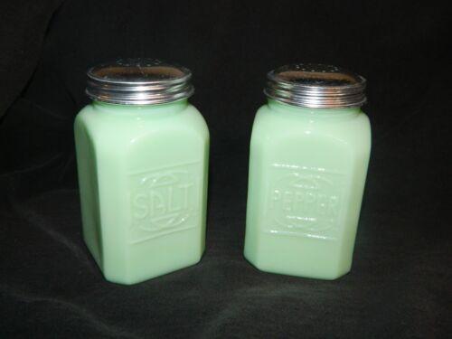 "Large Jade ""Jadite""  Depression Style Retro Glass Salt n Pepper Shakers RANGETOP"