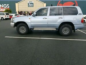 Toyota Landcruiser 100 diesel manual