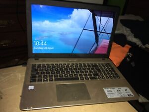 Asus x541u Lap top looking too trade for a ps4