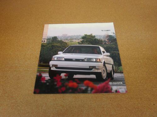 1991 Toyota Camry sales brochure 18 page dealer literature ORIGINAL