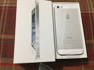 IPHONE 5 16gb brand new and unlocked