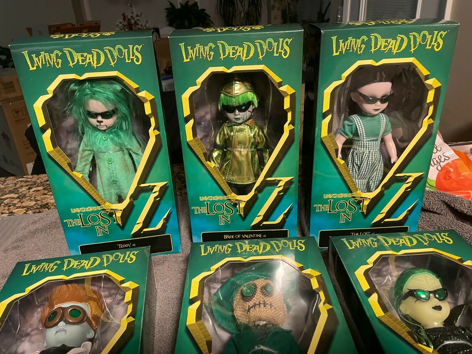 Living Dead Dolls LDD The Lost In Oz -Varient Brand New Complete Set 310/1000 - $399.00