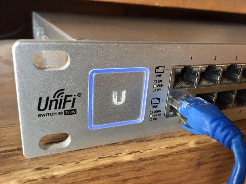 Ubiquiti US-48-750W UniFi 48 Port Managed PoE 750W Gigabit Switch w/ SFP+