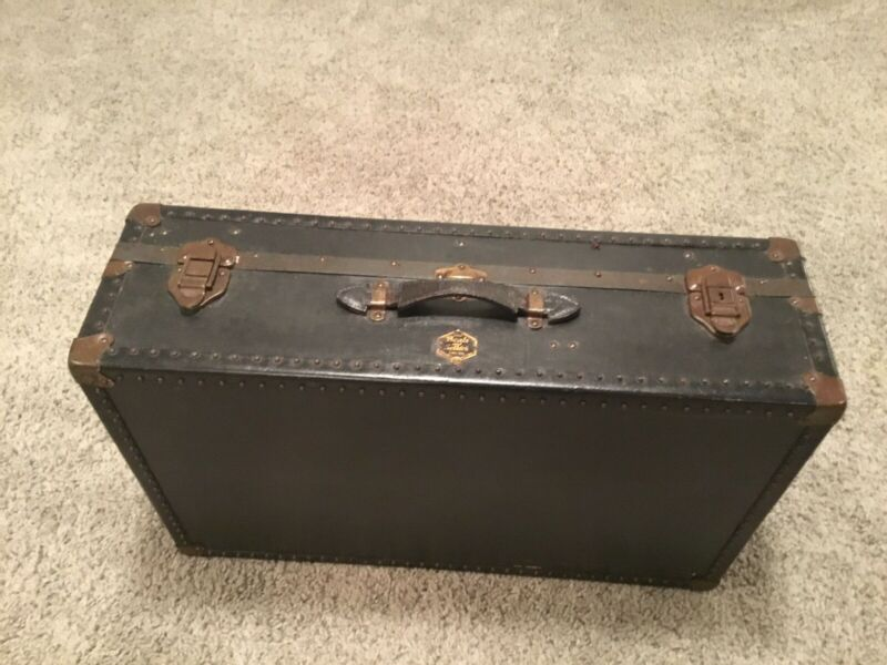 "Fabulous BEALS & SELKIRK Steamer / Travel Trunk - 29""x18""x9"""