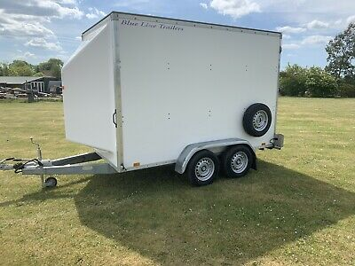Twin axle braked box trailer