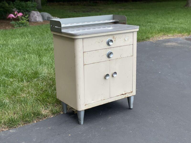 Vintage Medical Cabinet Mcm - Hamilton Metal Dr Cabinet Wisconsin - Round Knobs