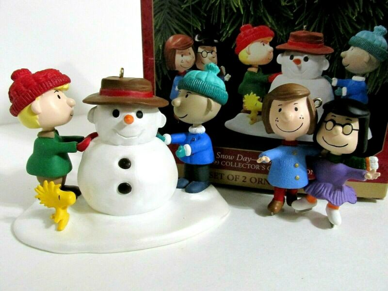 SNOOPY PEANUTS CHARLIE BROWN HALLMARK CHRISTMAS ORNAMENT FIGURE FIGURINE 1999