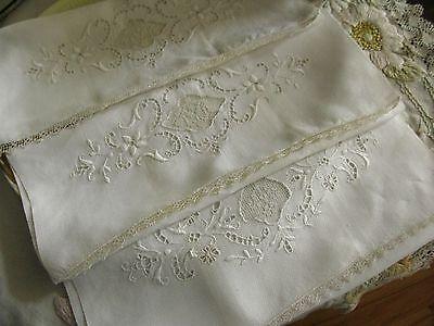 SET 3 ANTIQUE SM HAND/GUEST/TEA TOWELS FINE LINEN PIQUE, HAND LACE & EMBROIDERY!