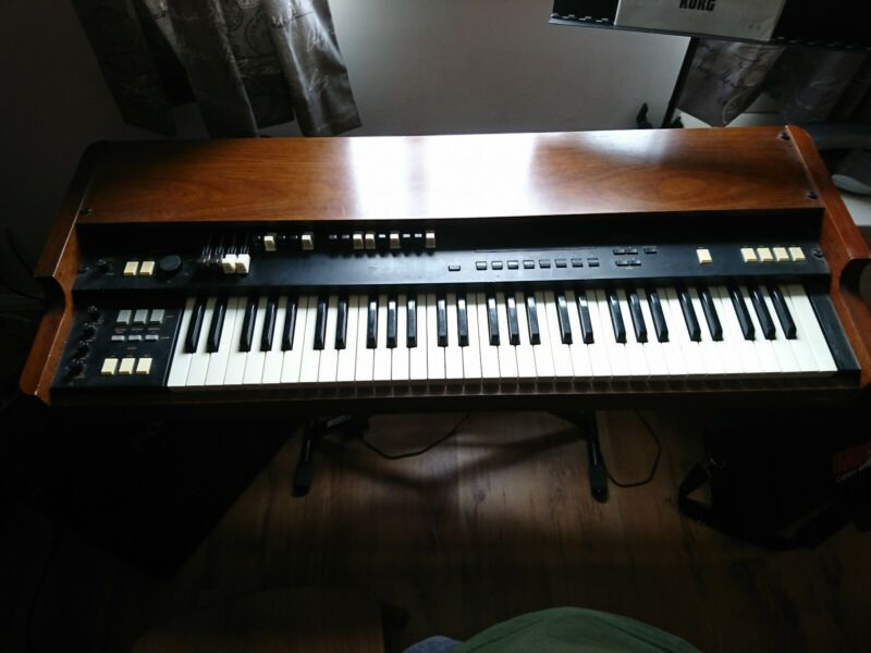 Korg CX3 (wonderful Hammond Clone) with original instructions and flight case