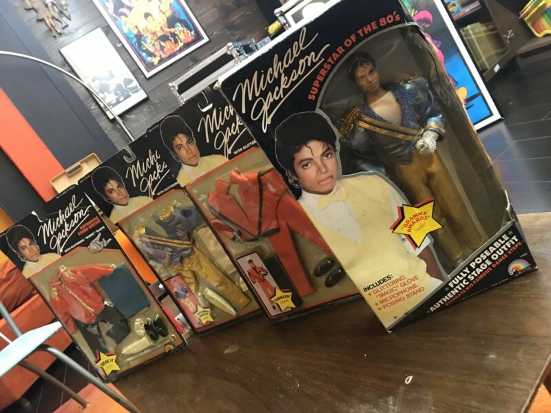 LJN Michael Jackson Vintage Figure 1984 in box 3 outfits Thriller Beat It grammy