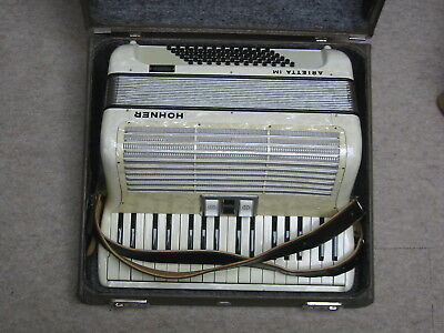 Beautiful WHITE  used Hohner Arietta I M accordion IM