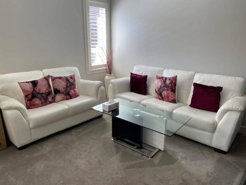 Beautiful Set Of White Sofa's | Sofas | Gumtree Australia Hume Area - Craigieburn | 1264804345
