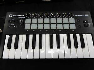 LAUNCHKEY MINI 2 Keyboard in BOX Campbelltown Campbelltown Area Preview