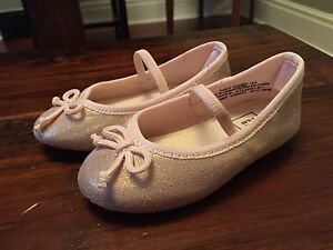 GAP ballet shoes - toddler size 5