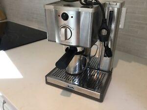 Machine à café breville  pour café nespresso