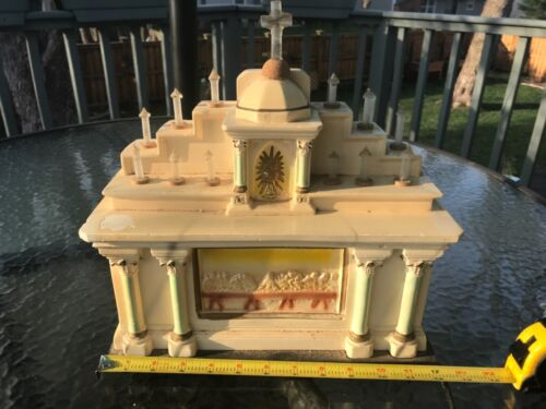 Vintage Light Up Electric Church Cathedral Last Supper Heavy plaster or metal