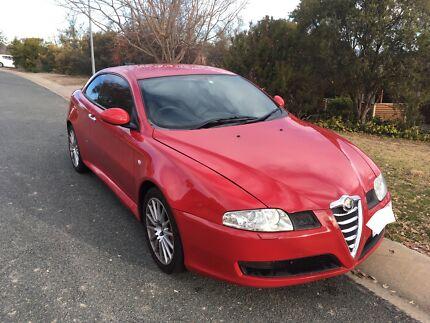 Red Alfa Romeo 2004