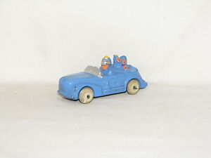 VINTAGE BARCLAY FAMILY VACATION CAR W/DOG, TINY CAR, OLD TOY CAR, SLUSH LEAD, GC