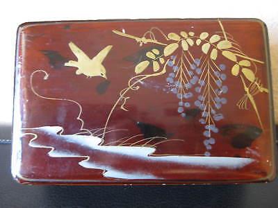 Alte Lackschatulle mit floralem und Vogel Motiv Alter und Herkunft unbekannt