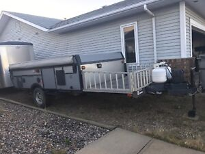 2008 fleetwood toy hauler tent trailer