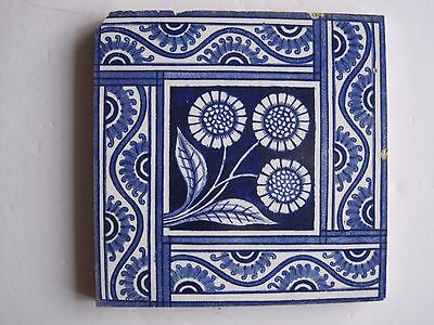 ANTIQUE VICTORIAN BLUE ON WHITE TRANSFER PRINT TILE DAISIES DESIGN c1882