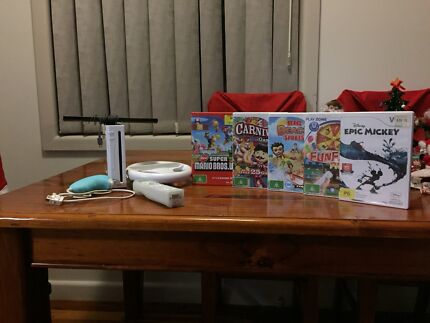 Nintendo Wii with Games, Mario Brothers