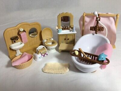 Calico critters/sylvanian families bathroom furniture with accessories