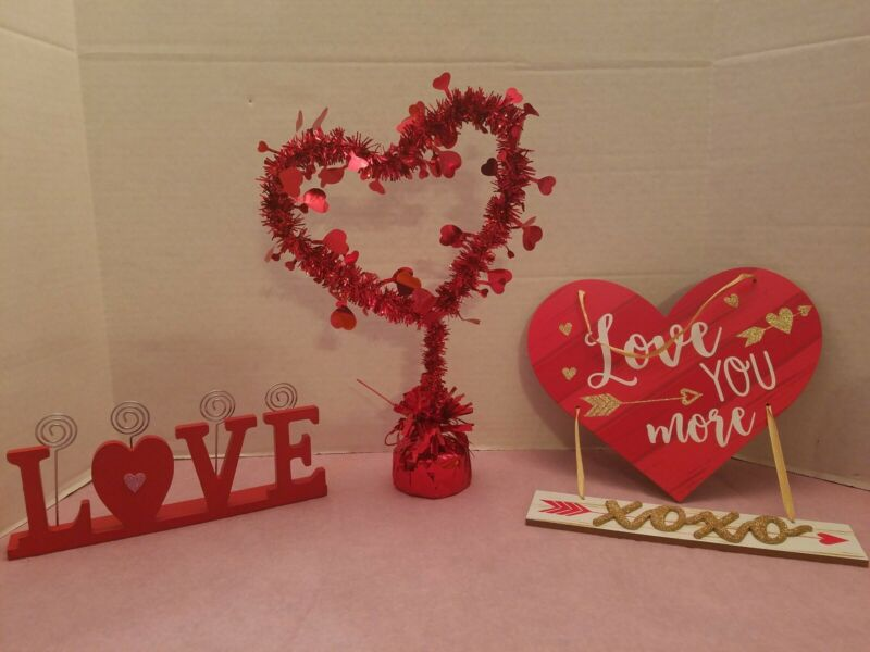 VALENTINES DAY PARTY CELEBRATION TABLE TOP DECOR SIGNS DECORATIONS CUPID