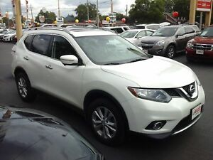 2014 NISSAN ROGUE SV - PANORAMIC SUNROOF, NAVIGATION, REAR VIEW