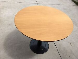 Round table Hornsby Hornsby Area Preview