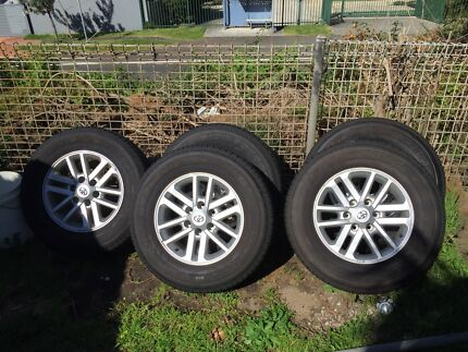 Toyota hilux sr5 2015 model rims  Austinmer Wollongong Area Preview