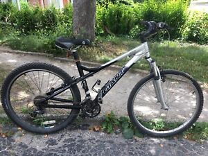 """Giant Rincon 24 speed mtb  - 17"""" frame suits 5'-5'6"""""""