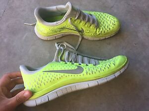 Nike Free Runs Women's Size 7 Helensvale Gold Coast North Preview
